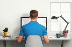 Workplace ergonomics: How to avoid shoulder, neck and back pain