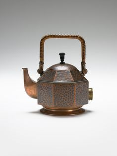 Copper-plated brass electric tea kettle / Peter Behrens / 1909