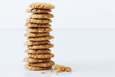 Celebrate Anzac Day with biscuits! We've got plenty of Anzac biscuit recipes, as well as a few ways to use them in tarts or crumbles. You can also find out more about the history of Anzac biscuits. Biscuit Cookies, Biscuit Recipe, Dough Recipe, Cookie Dough, Baking Recipes, Cookie Recipes, Bread Recipes, Coconut Biscuits, Cookies