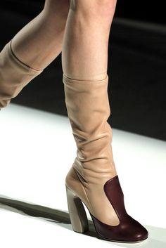 Prada Fall 2011 Ready-to-Wear Collection Photos - Vogue