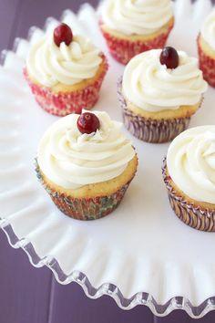Cranberry Cream Cheese Cupcakes #cupcakesrecipes http://thecupcakedailyblog.com/cranberry-cream-cheese-cupcakes/