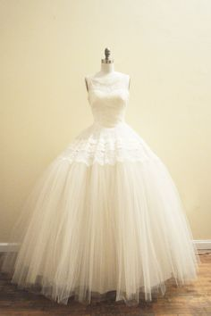 Vintage Fully restored 1950's wedding dress - Chantilly lace and tulle bridal ballgown, etsy,  mirandavintagebridal
