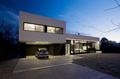 Grand Bell House by Andres Remy Arquitectos | HomeDSGN
