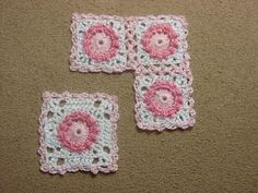 minicrochetmad: crochet pink and white granny