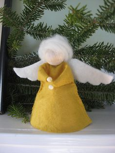 Simple angel to make, many sizes and textures, placed in different rooms