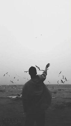 black and white, grunge 和 indie We Heart It 圖片 Dark Portrait, Foto Portrait, Silhouette Photography, Man Photography, Creative Photography, Loneliness Photography, Travel Photography, Silhouette Fotografie, Aesthetic Photo