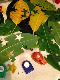 Art & Creativity in ECE: Fall Art Ideas for Young Children — The Teachers' Lounge Forest School Activities, Nature Activities, Autumn Activities, Toddler Activities, Fall Preschool, Preschool Activities, Tree Study, Creative Curriculum, Early Childhood Education