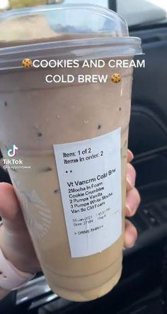 Starbucks Specialty Drinks, Starbucks Hacks, Bebidas Do Starbucks, Healthy Starbucks Drinks, Starbucks Secret Menu Drinks, Sugar Free Starbucks Drinks, Starbucks Coffee, How To Order Starbucks, Cocktails