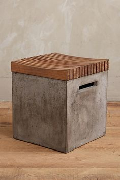 Metropolitan Cement Box More Mais Cement Design, Cement Art, Beton Design, Concrete Cement, Concrete Table, Concrete Furniture, Concrete Crafts, Concrete Projects, Wood Design