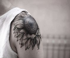 Shoulder Sunflower Tattoo by Melek Taştekin ‪#‎tattoo‬ ‪#‎tattoos‬…