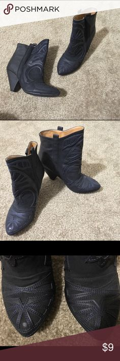 ✨Like New✨ Black Ankle Boots 💕Perfect Condition💕Black Boots with blue thread. Korea size 230 which is a US size 6. Please keep in mind that Korean sizes tend to run small so may fit more like a 5.5. Madesu Shoes Ankle Boots & Booties