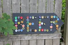 Bottle Cap Beer Or other beverage sign! Cool idea for labeling the coolers of drinks!!'n how many bottle caps do you have Pate?