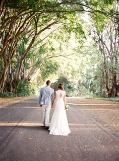 The gorgeous Tania in the Phoenix gown from the Roz la Kelin Diamond Collection. Byron Bay wedding by Byron Loves Fawn photogrpahy - Byron Bay wedding photographer - Byron Bay real wedding inspiration. #bridal #wedding #bride #style #fashion #love #beautiful #romantic #rozlakelin