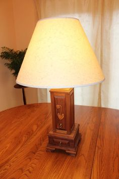 Lamp & Jewelry Box Combo: 3 Steps (with Pictures) Used Woodworking Tools, Woodworking Plans, Woodworking Christmas Gifts, Jewelry Box Plans, Gifts For My Wife, Wooden Lamp, Make A Gift, Diy Furniture, Table Lamp