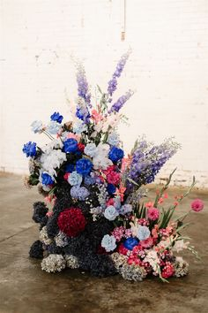 PEPE + SAM // #wedding #realwedding #realbride #coolbride #bride #weddingplanning #weddinginspiration #bridalgown #weddingdress #asos #fashion #brides #groom #realgroom #styling #weddingstyling #melbournephotographer #melbournewedding #briarsatlas #floralinspiration #flowers #weddingflowers