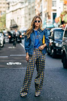 Emili Sindlev by STYLEDUMONDE Street Style Fashion l spring style l high waisted pants l summer outfit l street fashion l fashion week Street Style Edgy, Street Style Looks, Street Style Women, London Fashion Week 2018 Street Style, London Style, Street Styles, Vintage Outfits, Classy Outfits, Casual Outfits