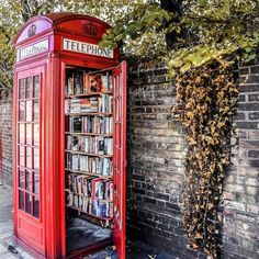 Who has been to the phonebox swap yet? Londons smallest library is in Lewisham where locals can donate and borrow books on their way to work, no need to worry about late fees! The Phonebox can be found on Lewisham Way, Photo via Little Free Libraries, Little Library, Mini Library, Street Library, Photo Instagram, London Instagram, London Travel, London England, Bedrooms