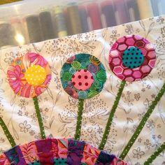 Modern Quilting, Patchwork Quilting, Sarah Fielke Quilts, Watercolor Quilt, Applique, Patchwork Ideas, Dresden Plate, Rabbit Hole, Paper Piecing