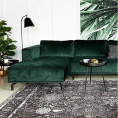 Charismatic Dark Living Room Design Ideas with Their Magic Spell - Sjoystudios Living Room Green, My Living Room, Living Room Interior, Living Room Decor, Small Living, Green Velvet Sofa, Green Couches, My New Room, Living Room Designs