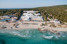 The Hotel Riu La Mola is your hotel in Playa de Migjorn, Formentera. Book on RIU Hotels & Resorts' official website. Tenerife, Hotels And Resorts, Trip Advisor, Paris Skyline, Dolores Park, Spain, Traveling, 1, Beach Hotels