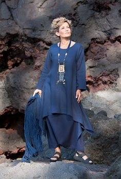 Pure linen vibrant blue Elke Tunic with flared sleeves Dark blue linen sarouel skirt -:- AMALTHEE -:- n° 3401