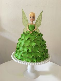 Cake Decorating For Kids, Cake Decorating Videos, Cookie Decorating, Easy Birthday Desserts, Pig Birthday Cakes, Cake Designs For Kids, Dolly Varden, Simple Cakes, Barbie Cake