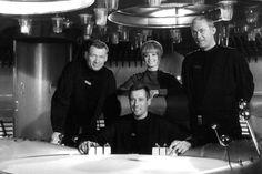 Leutnant Mario de Monti, Major Cliff Allister McLane, Leutnant Tamara Jagellovsk und Leutnant Hasso Sigbjoernson in ihrem Raumschiff.