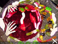 Wackelpudding mit Spinnen, ein gutes Rezept aus der Kategorie Dessert. Bewertungen: 21. Durchschnitt: Ø 3,9.