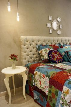13 Chic Ways to Style Your Bedroom's Headboard Wall Small Mirrors, Headboards For Beds, Accent Decor, Comforters, Bedroom Decor, 1, Blanket, Chic, Wall