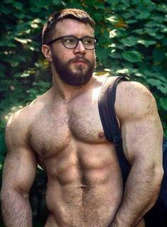 Suck a hairy gay cock