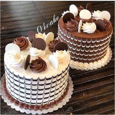 Triple Chocolate Cake with Dark, Milk and White Layers and a Chocolate Drip! Cake Decorating Piping, Cake Decorating Designs, Cake Decorating Videos, Mini Cakes, Cupcake Cakes, Cupcakes, Chocolate Cake Designs, Kolaci I Torte, Gateaux Cake