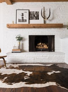 New Apartment Living Room Modern Fireplaces Ideas Living Room With Fireplace, Living Room Paint, Living Room Modern, Rugs In Living Room, Living Room Interior, Living Room Designs, Living Room Decor, Bedroom Decor, Interior Livingroom
