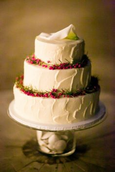 Simple and sweet white wedding cake. #cake #wedding #rustic http://www.weddingchicks.com/2014/06/28/rustic-farm-to-table-wedding-in-malibu-arboretum/
