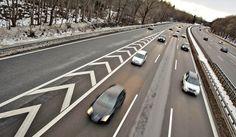 Toiveena on välttää 25 000 liikennekuolemaa vuoteen 2037 mennessä. Bbc, Number One, Mirror