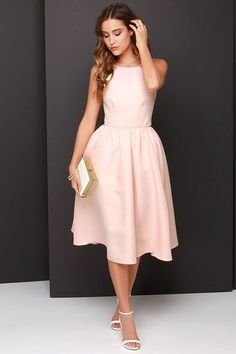 28 Chic Spring Bridal Shower Outfits To Get Inspired: perfect plain blush midi dress, white heels and a clutch for an elegant and girlish look