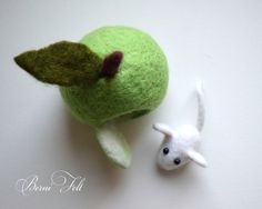 Hey, I found this really awesome Etsy listing at https://www.etsy.com/ru/listing/286968029/white-felted-mouse-with-green-house