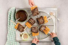 Süsse Waffeln - Rezepte | little FOOBY Best Blueberry Muffins, Blue Berry Muffins, Waffel Vegan, Homemade, Diet, Recipes, Kid Cooking, Kid Recipes, Sweet Cones