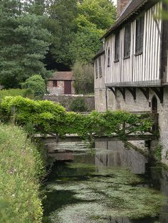 Ightam Mote, Kent - Moated House.  Fantastic National Trust property.