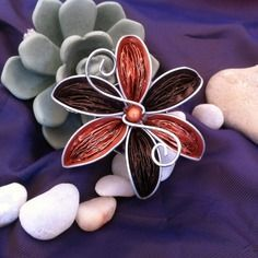 E-mail - Ilse van Ginkel - Outlook Recycled Jewelry, Diy Jewelry, Wire Crafts, Diy And Crafts, Dosette Nespresso, Flower Tutorial, Handmade Flowers, Flower Crafts, Inspirer