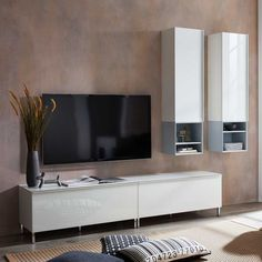 Flat Screen, Medium, Modern, Design, Living Room White, Tall Ceilings, Closet, Corning Glass, Homes