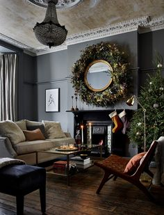 Readly - Ideal Home - 117 - House to home - create a look you'll love Christmas Interiors, Christmas Home, Merry Christmas, English Christmas, Christmas Trees, English Interior, Piece A Vivre, Christmas Decorations, Holiday Decor