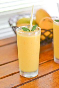 Tangy Mango Smoothie (Freeze fruit blend smoothie!)