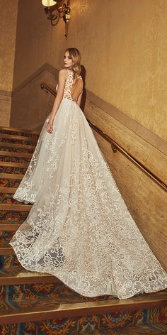 Luxury wedding gowns you will absolutely love. Find your perfect wedding dress from classic silhouettes, luxurious fabrics, modern designs and latest trends for brides, bridesmaids & the wedding party. Wedding Dresses 2018, Luxury Wedding Dress, Bridal Dresses, Dream Wedding, Traditional Wedding Dresses, Special Dresses, Bridal Boutique, Bridal Collection, Bridal Style