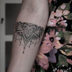 Resultado de imagen para bracciale indiano tattoo significato