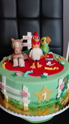 Farm Animal Birthday, Farm Birthday, 1st Birthday Parties, Fall 1st Birthdays, Dino Cake, Farm Cake, Farm Party, Ideas Para Fiestas, Holidays And Events