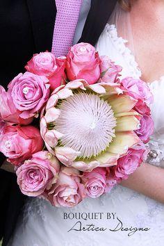 Beautiful and unusual Mint Wedding Themes, Wedding Colors, Floral Bouquets, Wedding Bouquets, Wedding Flowers, Flower Centerpieces, Flower Arrangements, Flor Protea, Crystal Bouquet