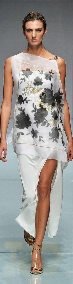 【ドレス Dresses スリット slit 白 White】Roccobarocco Collection Spring 2015