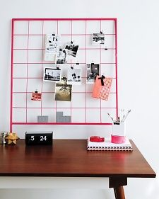 DIY: inspiration grid (spray-paint a piece of metal garden lattice with a bright colour)