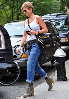 Boyfriend Jeans - Tips to style it | TRENDS VIP