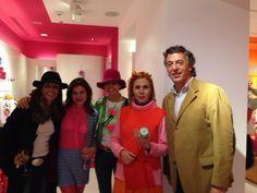 @Agatha RuizdelaPrada con clientas y Mario Sequerra de Atlas Gourmet